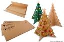 Árvore de Natal feita em papelão reciclado